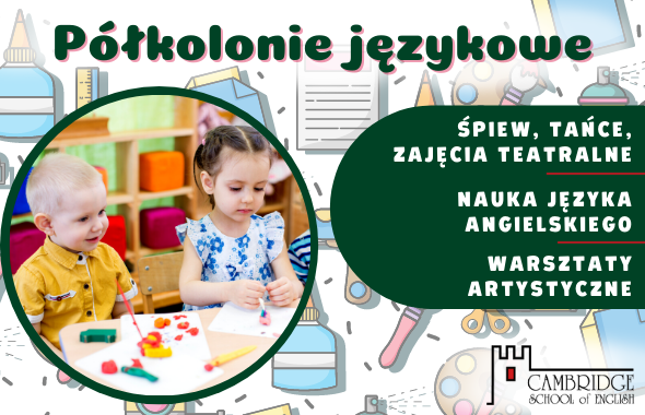 Małe dzieci tworzące projekt artystyczny na półkoloniach językowych, nauka przez zabawę.